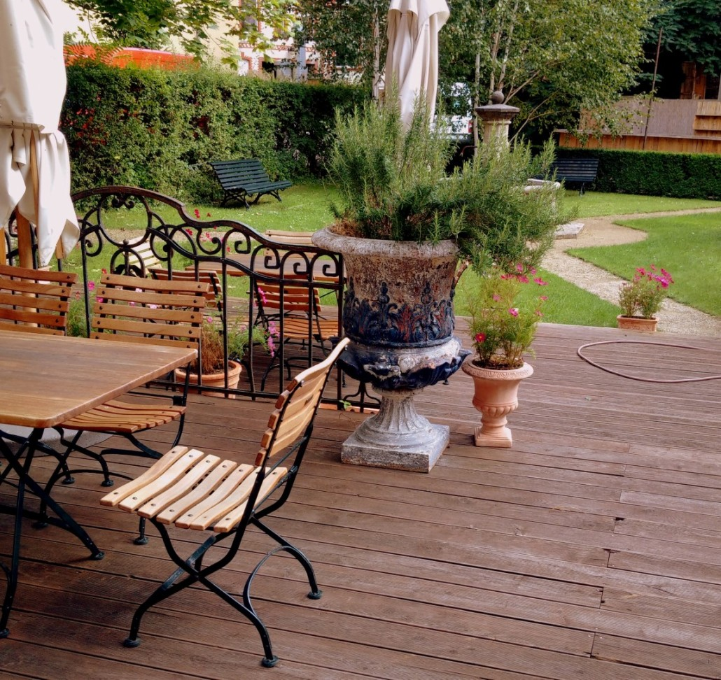 terrasse bauen wpc holz terrassenbelag muster verlegen u2013 terrasse mit. Black Bedroom Furniture Sets. Home Design Ideas